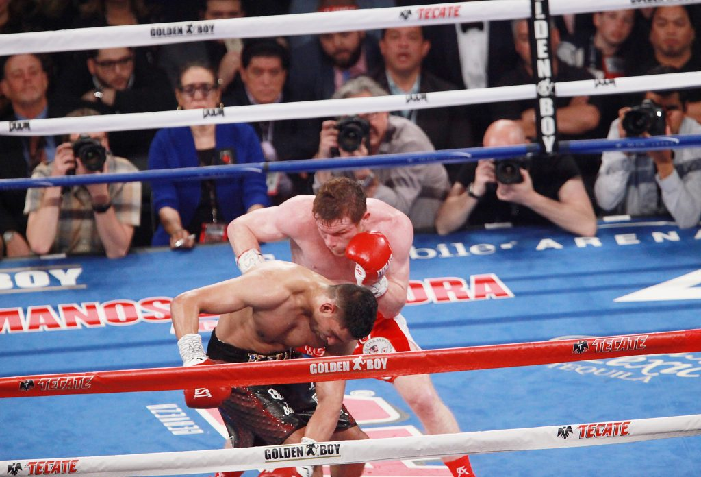 Saul Canelo Alvarez vs Amir Khan